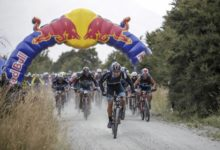 Photo of Richie McCaw's team defies the odds as Nelson duo take line honours on day one of Red Bull Defiance.
