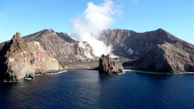 Photo of Whakaari/White Island remains off-limits